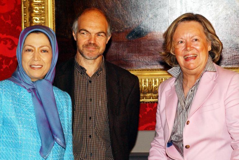 آن ماري ليزن از 2004 تا 2007 رييس پارلمان بلژيك بود.. اين عكس در سال 2006 دز پالرلمان بلژيك گرفته شده