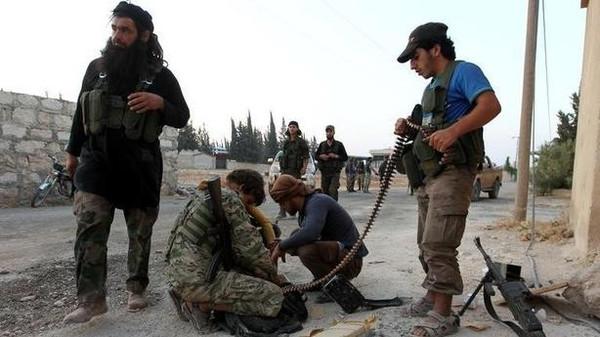 المرصد السوري: التقاء قوات الفصائل مع مقاتلين في حلب المحاصرة